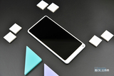 Almost地表最强LCD屏 HTC U11+图赏