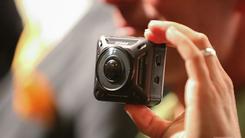 老厂试新机 尼康推出双摄像头运动相机