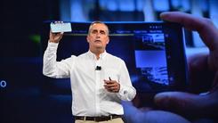 英特尔可拍摄3D实感影像手机亮相CES
