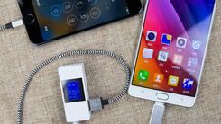 金立M5 Plus一秒变电源 充3个iPhone 6