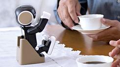 卖萌之王 夏普机器人手机上市时间曝光