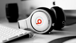 紧随苹果 Beats推内置W1芯片无线耳机