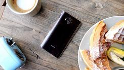 撞色引领手机新潮流 瞬间读懂新时尚