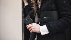 质感十足出街必备 市售黑色手机推荐