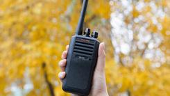 内外皆可靠的专业性 MAG ONE EVX-Z62对讲机使用体验