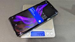 夏普首款OLED曲面屏手机 AQUOS Zero台湾发布