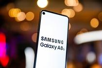 三星Galaxy A8s黑瞳全视屏 通孔设计更注重体验