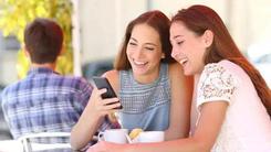 这几款手机年轻人中人气很高 你不来看看?