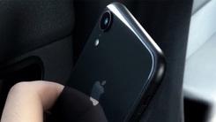 外媒曝光6.1英寸LCD版iPhone真机   后置单摄加大