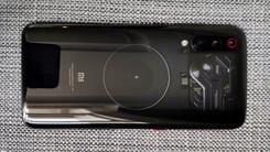 小米9透明版真机照曝光 确认支持无线充电