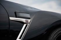 碳纤维纹理外观 iQOO武士黑登录京东新品季