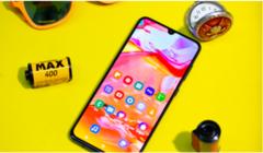 三星Galaxy A70领衔2000元价位热卖手机