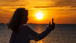 手机美 拍人更美 帮你讨女友欢心的自拍强机推荐