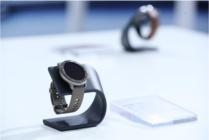 苹果Apple Watch 5:新加入陶瓷和钛 华米科技Amazfit更领先