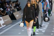 纽约时装周首秀直击!荣耀携手太平鸟震撼演绎中国设计