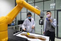 首次大规模开放产线和实验室 华为手机产品郑平方揭秘荣耀品质