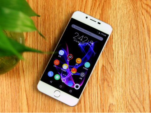24新闻稿-千元人气王 PPTV手机V1为何值得购买?186