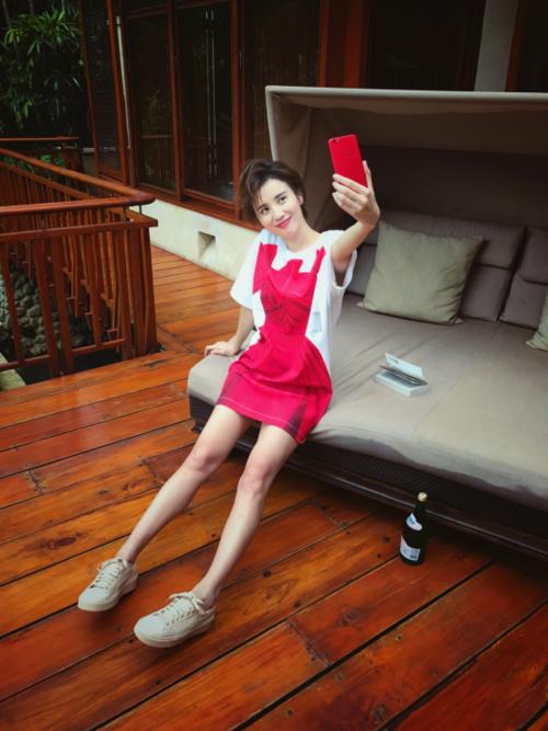 红色版R9s成2017年首款时尚爆品,明星个个都爱974