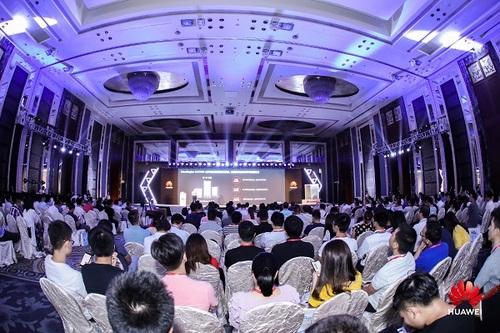 华为网络创新技术论坛2019行程近半 网络技术盛宴 精彩不停