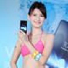索尼Xperia V LT25i三防手机清凉美女秀