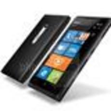 黑蓝两色 诺基亚Lumia 900于4月8日发布