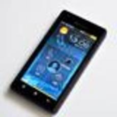 首款X86架构Android智能机 联想K800图赏