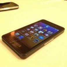 RIM今夏发放更多BlackBerry10开发样机