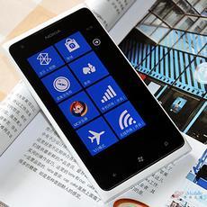 4.3英寸悦目屏幕 Lumia 900精美图赏