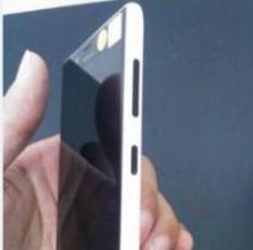诺基亚Lumia 820造型曝光 真伪难辨