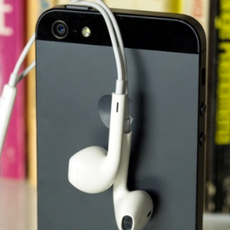 苹果将推廉价iPhone 或2013年底发布