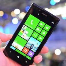 继承Lumia贵族血脉 诺基亚Lumia 720组图