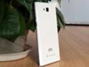 699元手机神似小米3 青葱LTE 4G图赏