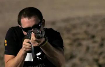 当板砖神机诺基亚遭遇突击步枪AK-47