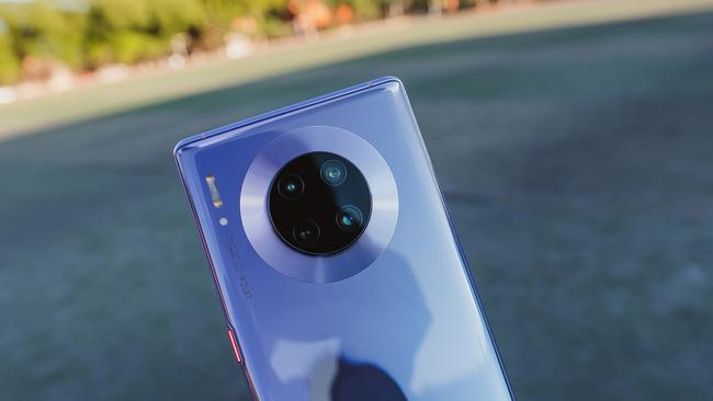 """""""复读生""""独霸 华为Mate30 Pro 5G登顶DxO手机拍照排行榜"""