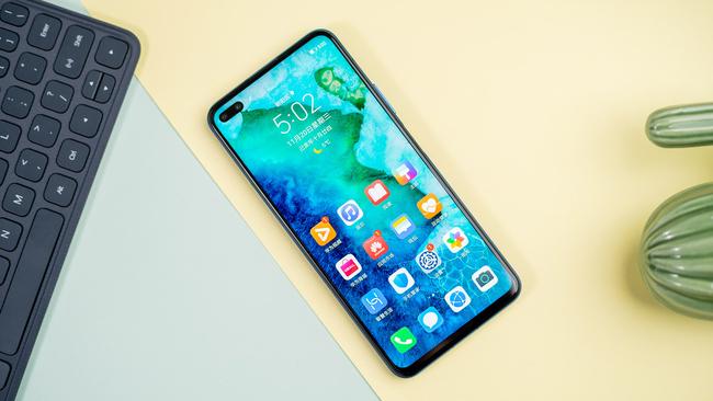 手游时代你需要一款高性能手机 近期发布的高性能手机推荐