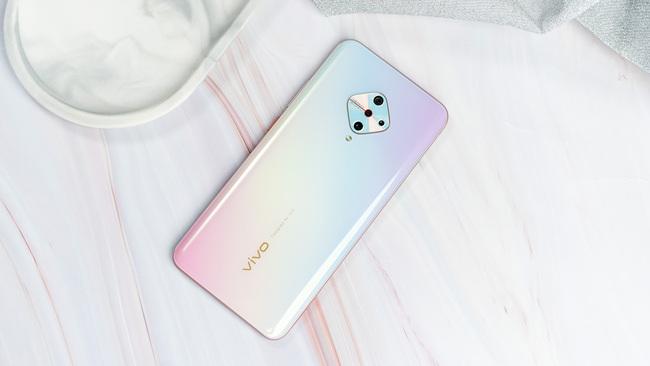 手机美人更美 高颜值自拍手机推荐