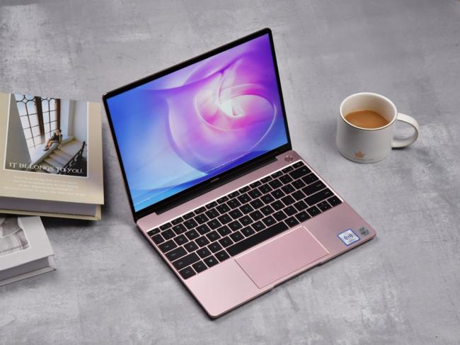 潮流职场办公神器 华为MateBook 13 2020款发挥你100%职场女子力