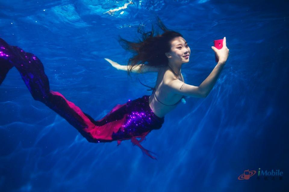 夏日海底美人鱼索尼Xperia防水机型美女图赏