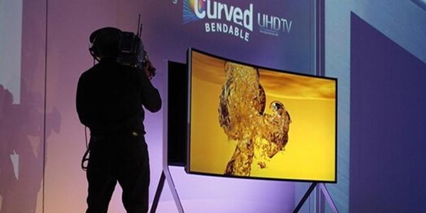 IFA消费电子展 三星发布105吋曲面电视