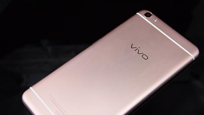 """[开箱] """"1600W柔光自拍""""vivo X7Plus"""