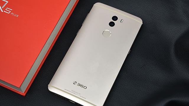 安全芯高度 360手机Q5 Plus真机图赏