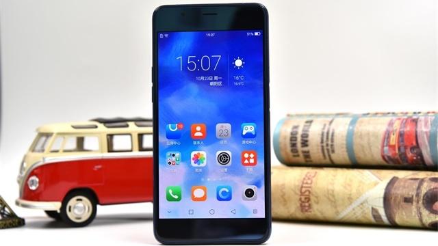 多一面精彩: 海信双屏手机A2 Pro体验