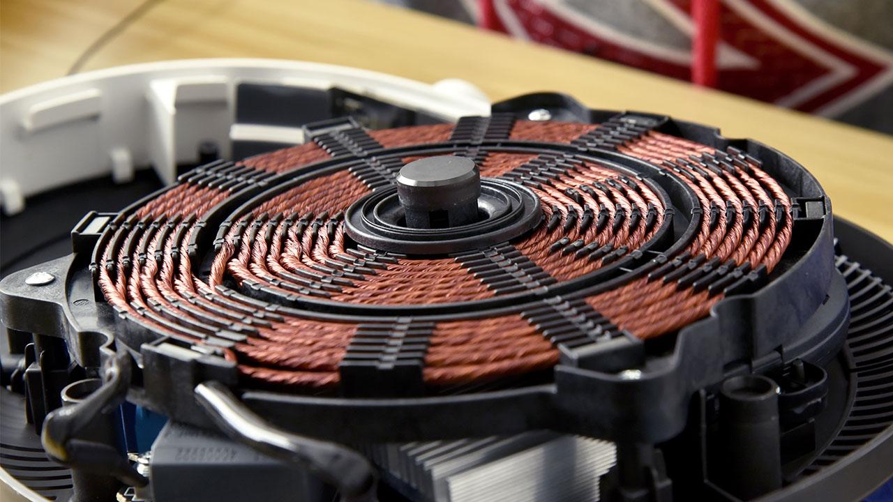 米家电磁炉拆解:做工不错的一盘辣条?