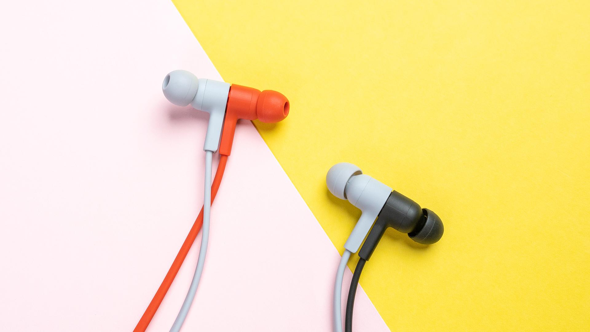 轻巧灵动色彩时尚 华为FreeLace无线耳机